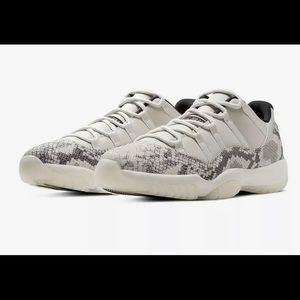 Nike Air Jordan 11 Retro Low 13